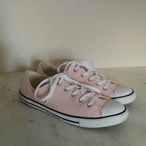 CONVERSE - ballet pink sneakers